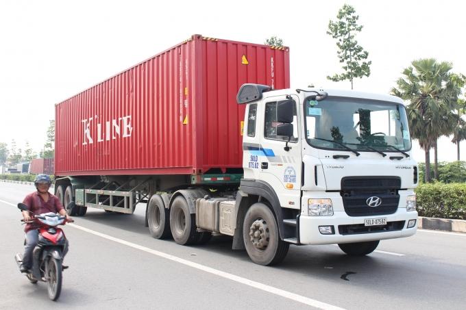 Chiêm bao mơ thấy xe container là số mấy? đánh con gì?